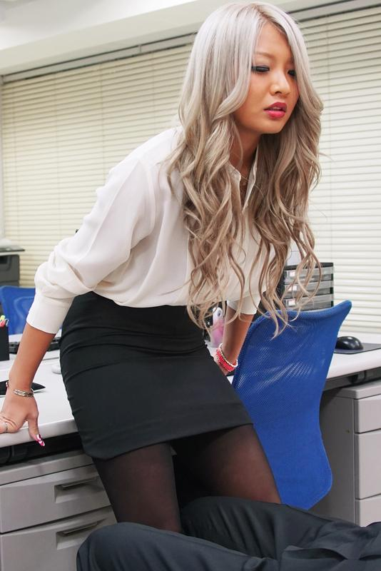 The new method of release working pressure for Office lady| screenshot-0